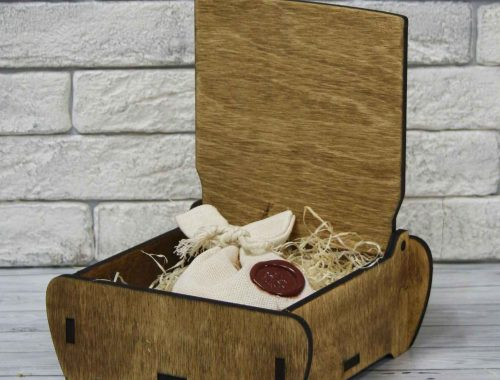 Шкатулка подарочная деревянная