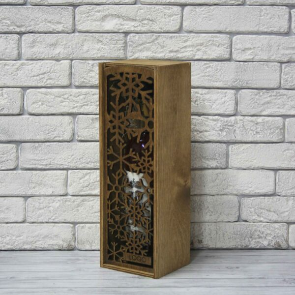 Деревянная резная коробка