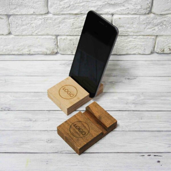 Подставка под телефон из дерева