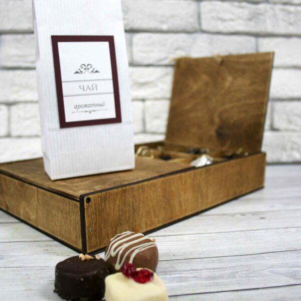 Подарочный набор чай и конфеты