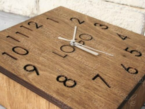 настольные часы из дерева