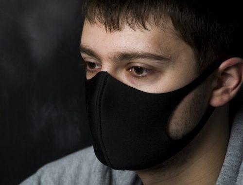 Маска от инфекций из неопрена на рот и нос